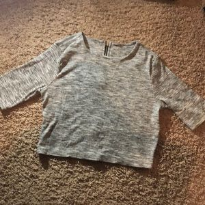 Mid sleeve gray top